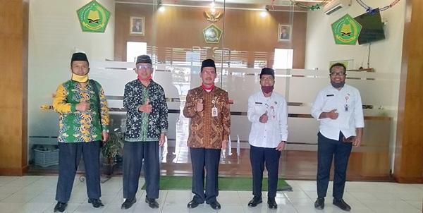 Kakemenag Semarang kota Muhdi bersama pengurus DPD LDII Kota Semarang